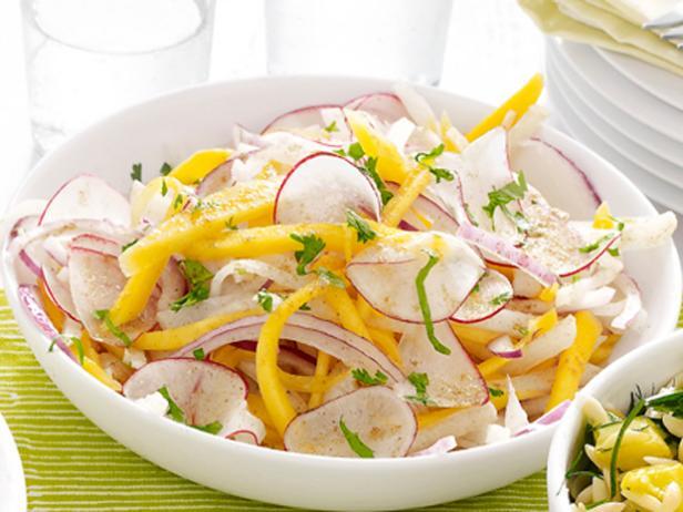25. Салат с хикамой и манго