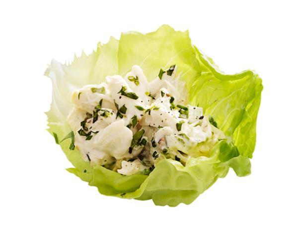 23. Крабовый салат с латуком