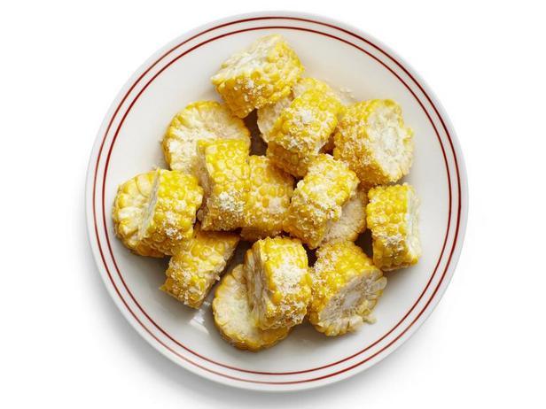 Фото Кукуруза с чесночным майонезом и сырной стружкой