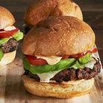 Вегетарианский гамбургер с фасолевой котлеткой