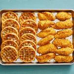 Курица с вафлями на противне