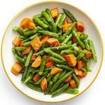 Гарнир из отварной стручковой фасоли с морковью в медовой глазури