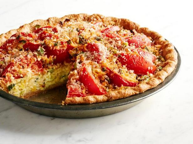 Фото Сырный пирог с кремовой кукурузой и помидорами