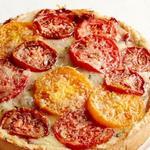 Торт из помидоров с сыром на розмариновом корже