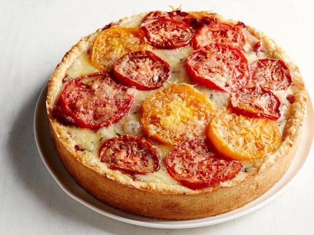 Фото Торт из помидоров с сыром на розмариновом корже