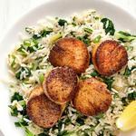 Морские гребешки с рисом по-каджунски