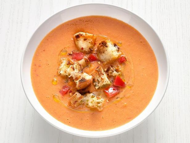 Фото Томатный суп-пюре с белой фасолью по-тоскански