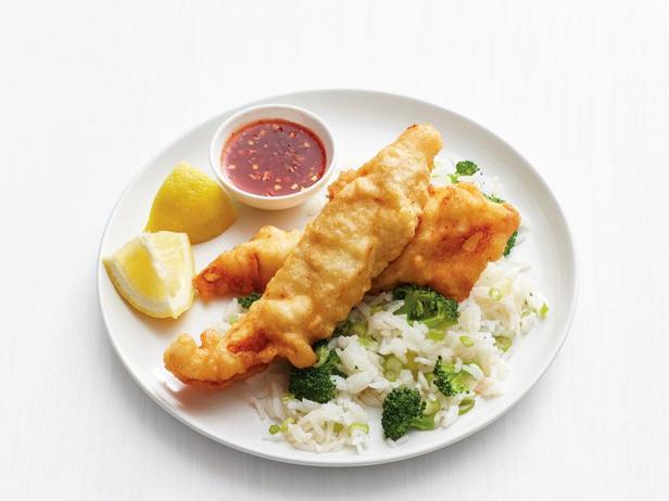 Фото Рыбные палочки с рисом и брокколи