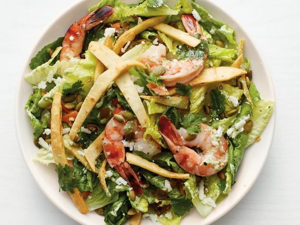 Фото Мексиканский салат «Цезарь» с креветками