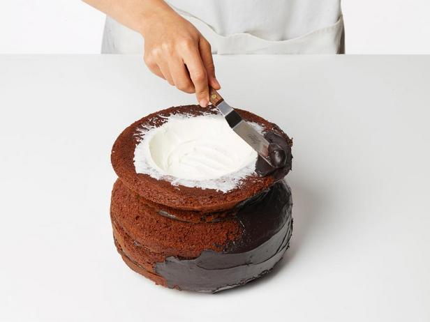 Торт «Котёл с зельем»