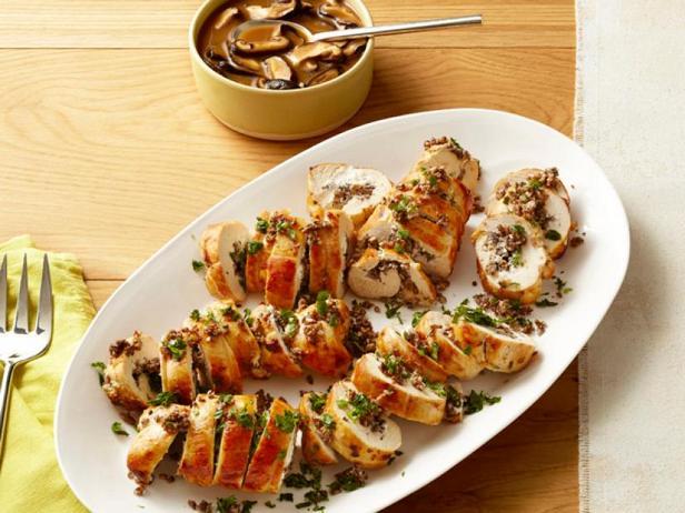Фото Куриная грудка с начинкой из грибов и козьего сыра