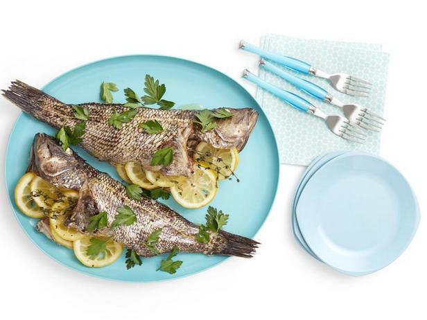 Фото Целая рыба в духовке