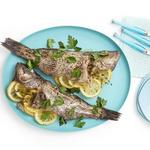 Целая рыба в духовке