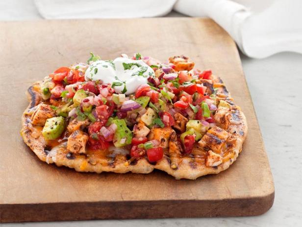 Фото Пицца со вкусом «Тако» с копчёной курицей
