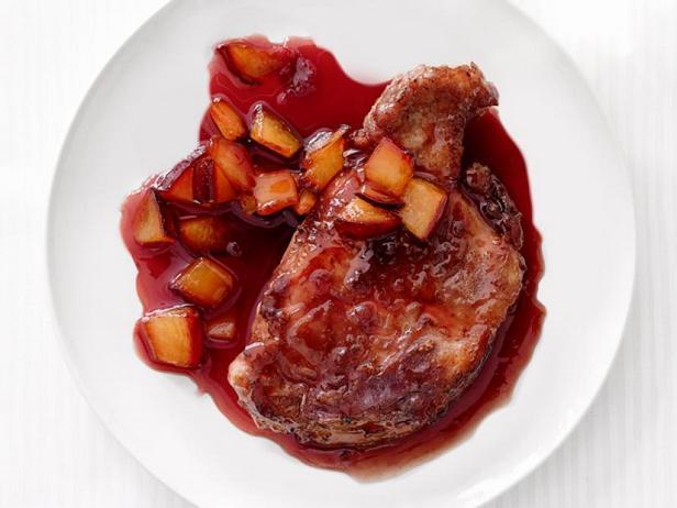 Фото Жареная свинина в сливовом соусе