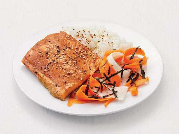 Фото Арктический голец под соусом терияки с маринованными овощами
