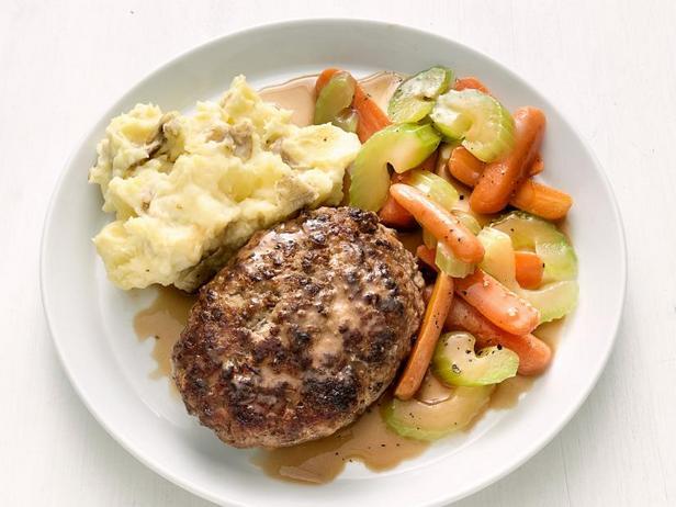 Фото Солсбери стейк с картофельным пюре