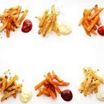 6 идей пряного картофеля фри с соусами