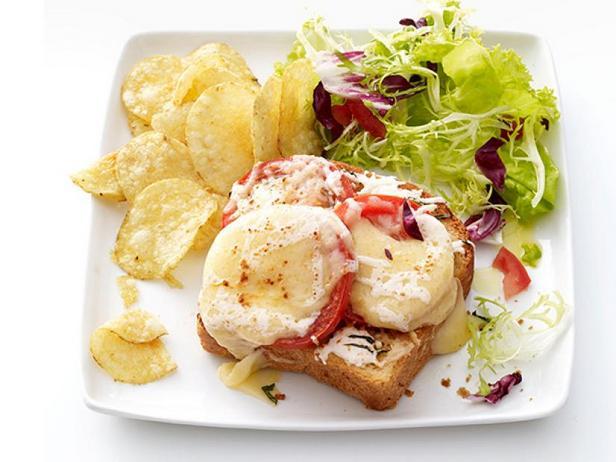 Фото Тосты с помидорами и сыром