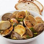 Пропаренные моллюски с капустой кейл