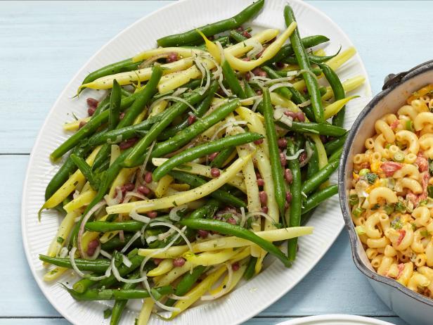 11. Салат с тремя видами фасоли