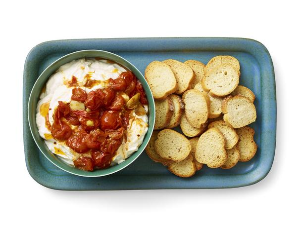 2. Рикотта с помидорами и чесноком