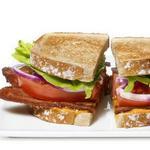 Сэндвичи БЛТ с айоли из голубого сыра