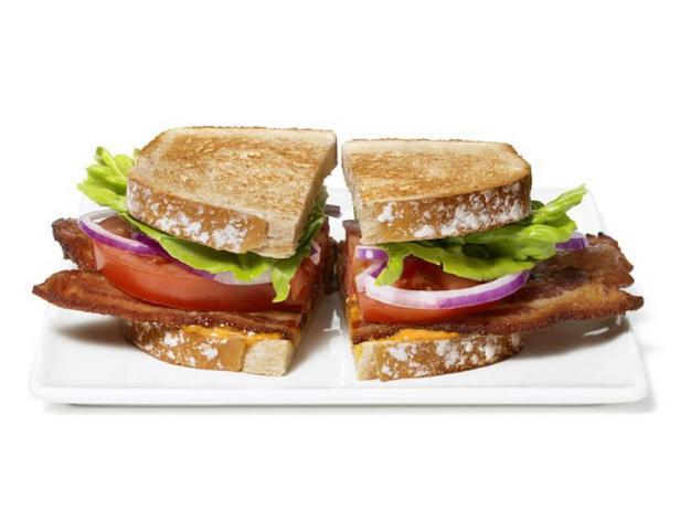 Фото Сэндвичи БЛТ с айоли из голубого сыра