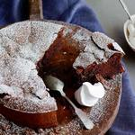 Шоколадный торт со взбитыми сливками (без муки)