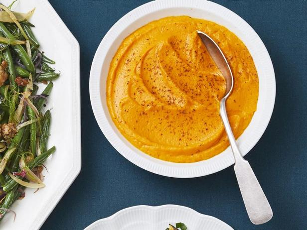Фото Пюре из моркови, лука-порея и имбиря