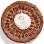 Пекановый пирог с кленовым сиропом на шоколадном корже
