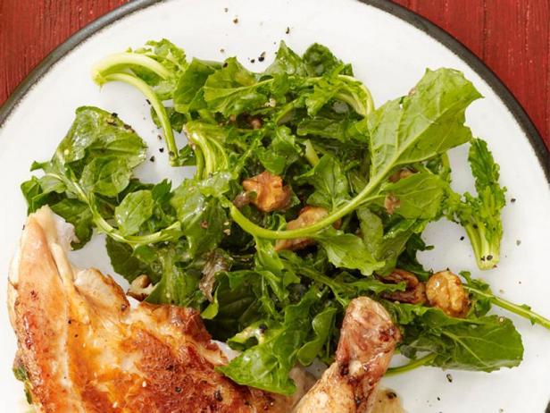 Салат из руколы с зерновой горчицей
