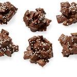 Шоколадно-арахисовые хрустящие конфеты