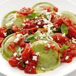 Равиоли со шпинатом в томатном соусе