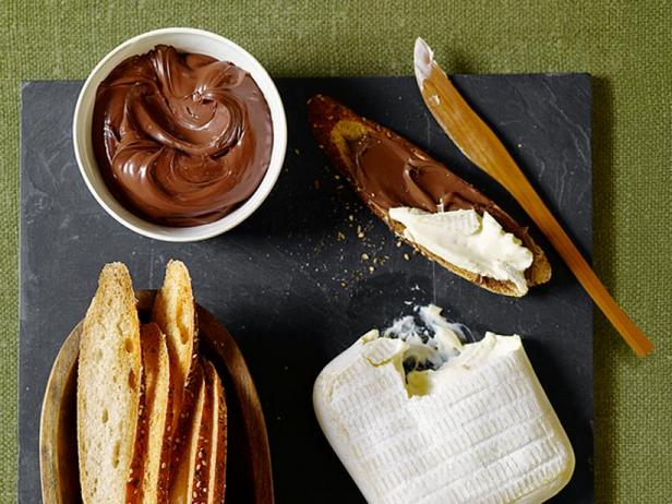 Фото Сырная доска с шоколадом