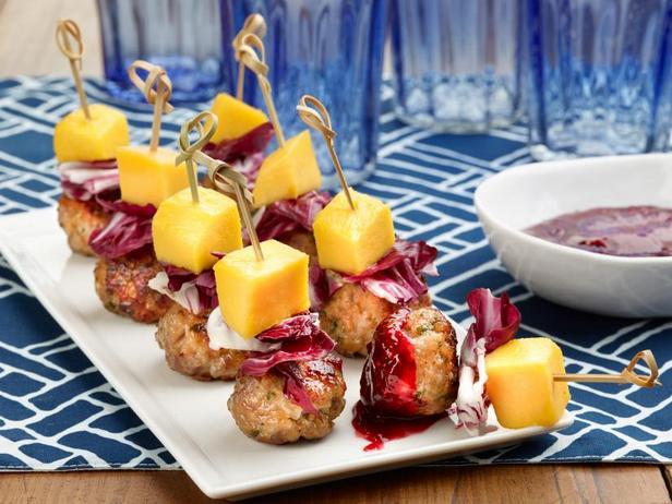 Фото Мини-митболы с малиново-бальзамическим соусом барбекю