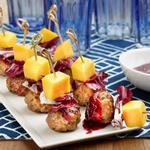 Мини-митболы с малиново-бальзамическим соусом барбекю