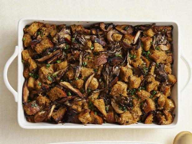 Фото Хлебная начинка с грибами для индейки (гарнир)