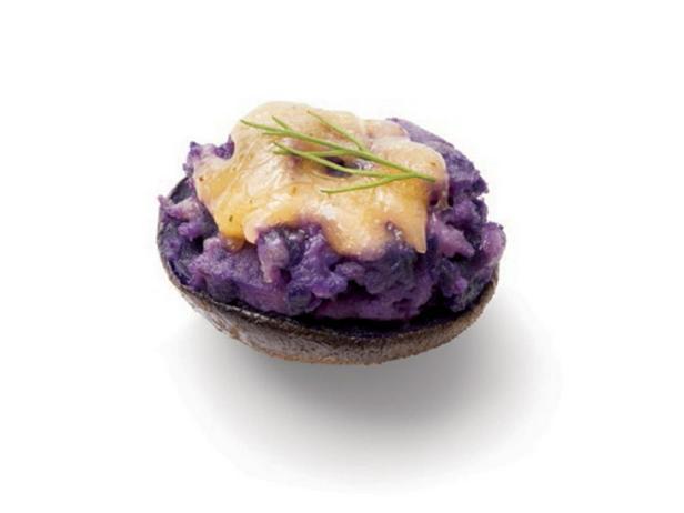 Фиолетовый картофель с сыром