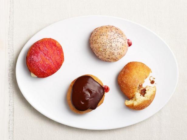 Фото Классические пончики с джемом