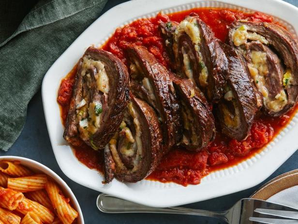 Фото Рулетики из говядины с беконом «Брачиоле»