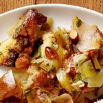 Начинка с бриошью, грушами, итальянской колбасой и миндалём (гарнир)