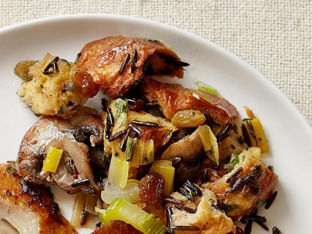Фото Начинка с халой, грибами, диким рисом и изюмом (гарнир)