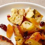 Хлебная начинка с яблоками, сушёной клюквой и курагой (гарнир)