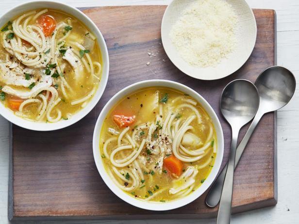 Фото Куриный суп-лапша с пармезаном