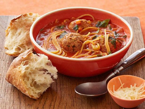 «Ступ» со спагетти и фрикадельками