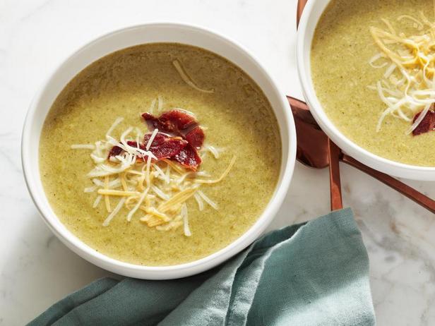 Низкоуглеводный суп с брокколи и чеддером