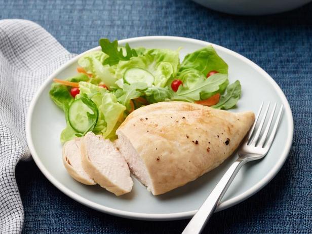 Фото Замороженная куриная грудка, жареная в аэрогриле