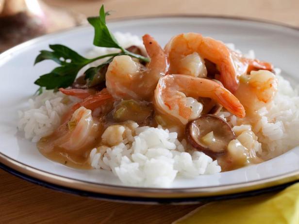 Луизианский гамбо с креветками и колбасой