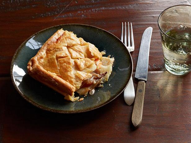 Слоёный пирог с начинкой из корнеплодов